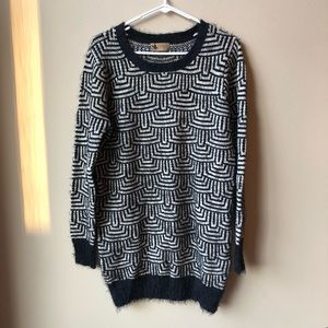 Katsumi long sweater with black white design